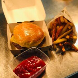 """""""Brasserie"""" Kinder-Cheeseburger"""